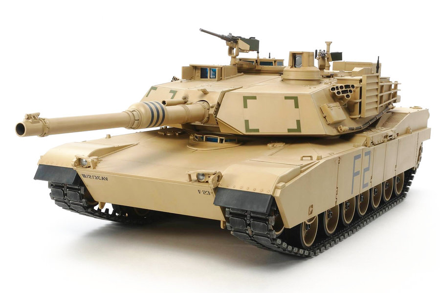 Tamiya U.S. Main Battle Tank M1A2 Abrams Full-Option Kit